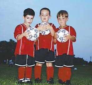 踢足球的孩子都是O型腿 足球运动员的脚畸形