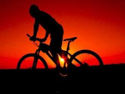 早晨锻炼和晚上锻炼哪个更好 晚上做运动的好处和坏处