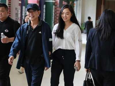 前妻黄秋燕与现任利智 李连杰和利智的女儿
