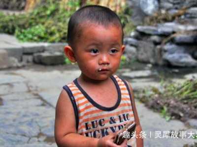 两岁男孩一觉醒来没了双手 宝宝两岁了手不长