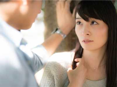 男人怎幺调情才能让女人舒服爽翻天 男人怎样让女人舒服